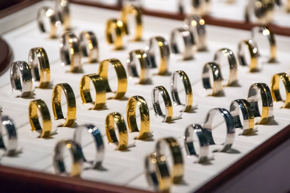 Five Ways Your Jewelry Photography Can Hurt Your Business