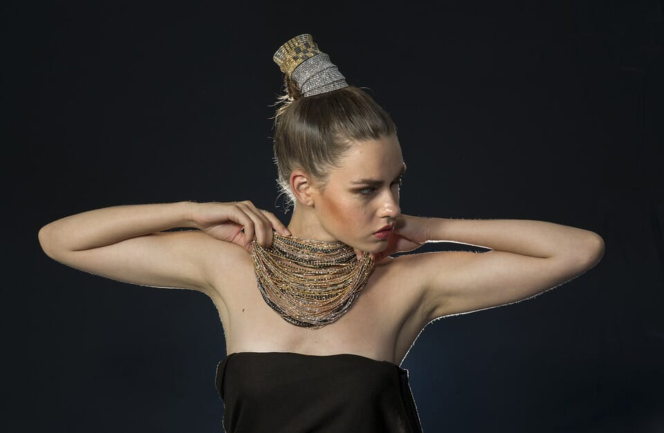5 Compelling jewelry photography tips for social media
