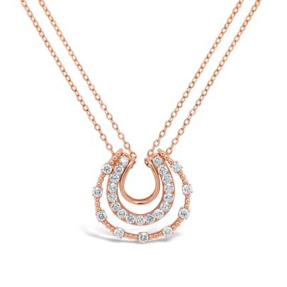 Retuschierte DSLR | Roségold-Diamantkette