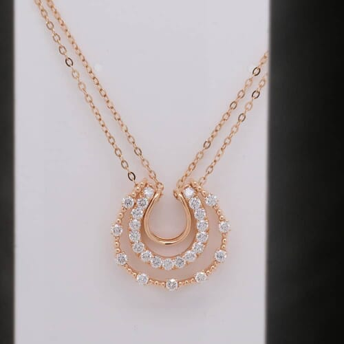 https://spin.picupmedia.com/WP_picupmedia.com/2019/08/b/e/n/before-rose-gold-necklace-min-min.jpg?w=500&h=500&scale.option=fill&cw=500&ch=500&cx=center&cy=center