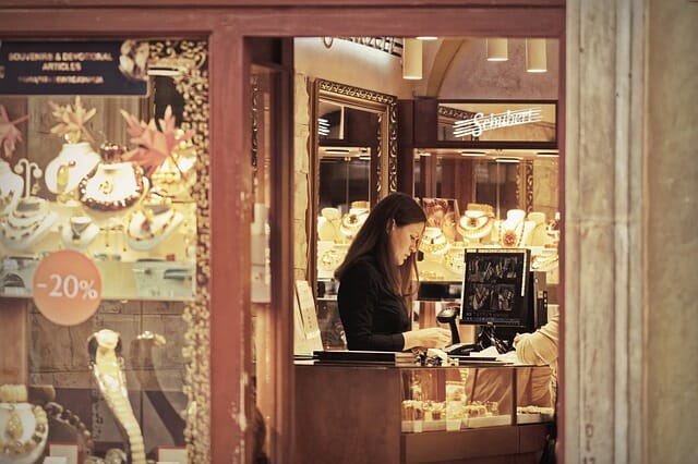 jewelry retail trends