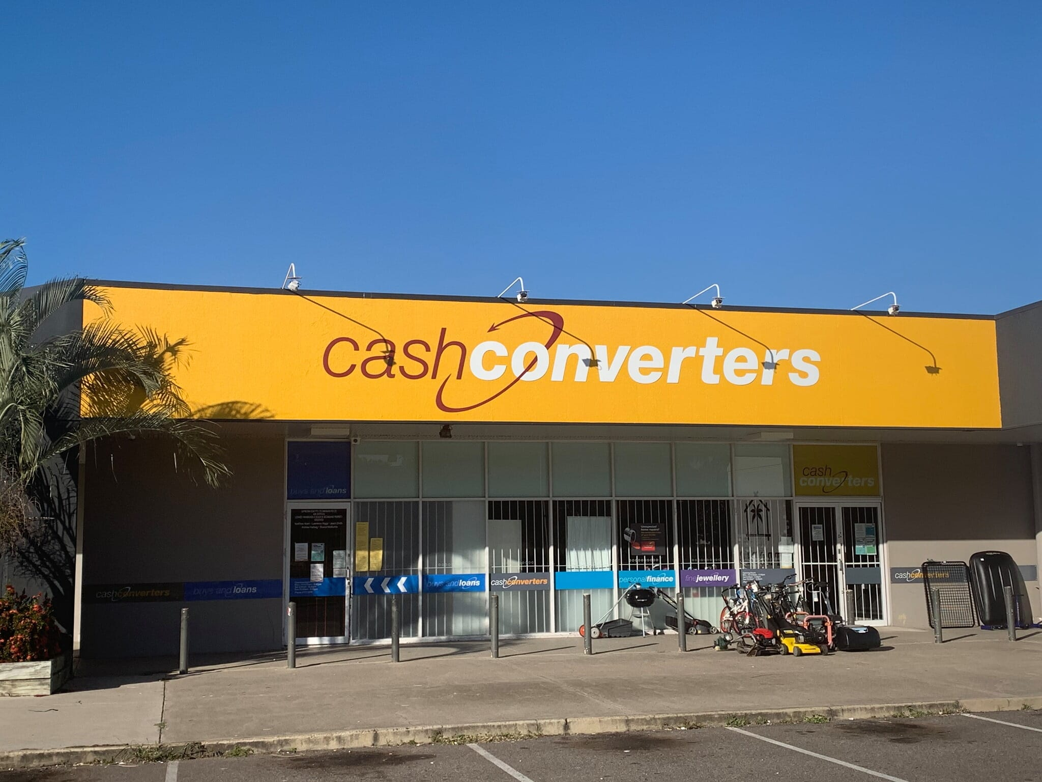 cash converters townsville with the GemLightbox